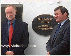 Unveiling a commemorative plaque for artist Paul Henry, October 2003